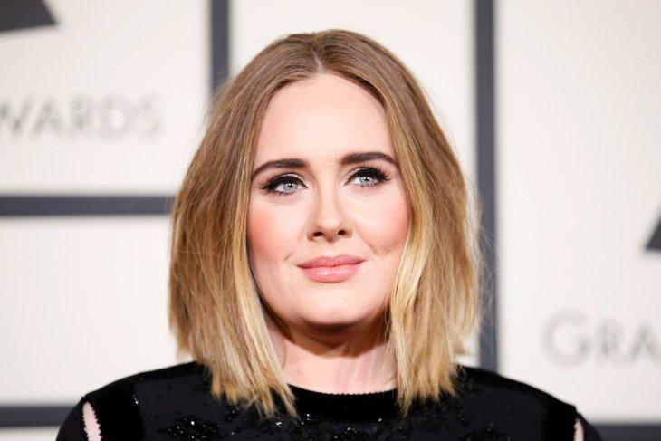 Tujuh tahun bersama, Adele bercerai