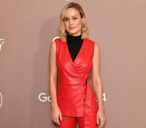 Reaksi tak ternilai Brie Larson terhadap Proposal Kejutan Seorang Penggemar Akan Membuat Hari Anda