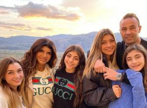 Teresa Giudice Membuka Tentang Reuni Emosionalnya dan Anak Perempuannya dengan Joe dan Rencana Natal