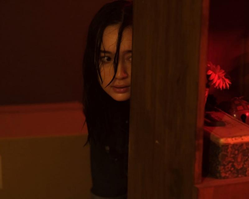 Alasan Timo Tjahjanto Pilih Tatjana Saphira dan Refal Hady di Film Perempuan Bergaun Merah