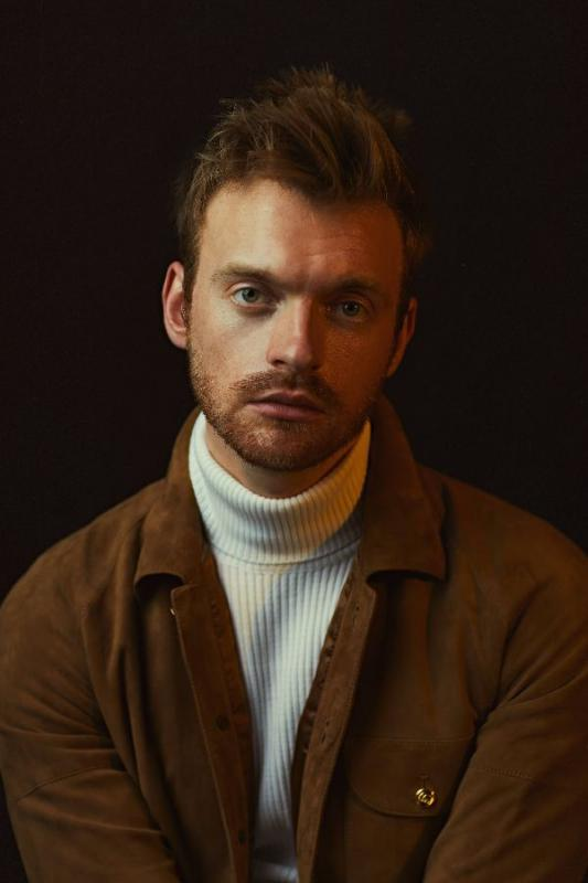 "FINNEAS MERILIS LAGU DAN VIDEO MUSIK TERBARU ""WHAT THEY'LL SAY ABOUT US"""