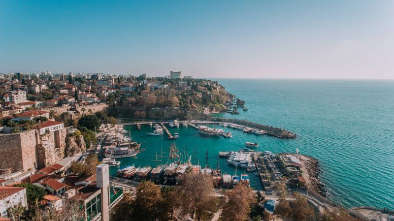 Turki Meluncurkan Pendaftaran Program Vaksinasi untuk Pekerja di Bidang Pariwisata